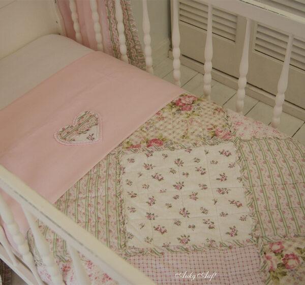 "Wieg/ledikant deken roze patchwork ""Suus"""