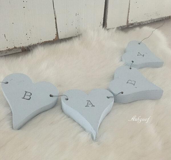 houten hartjes slinger ''baby''