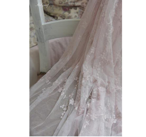Soft tulle with flowers ''roze''
