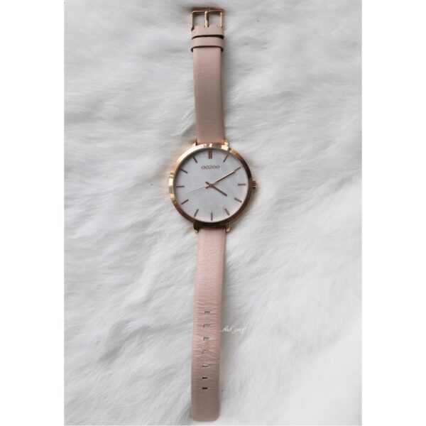 Oozoo horloge rose goud met licht roze bandje detail